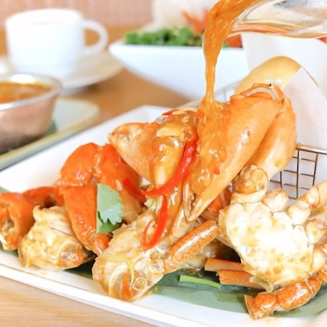 1 Dines FREE with 2 Paying Adults at Asian Market Cafe, Fairmont Singapore* .