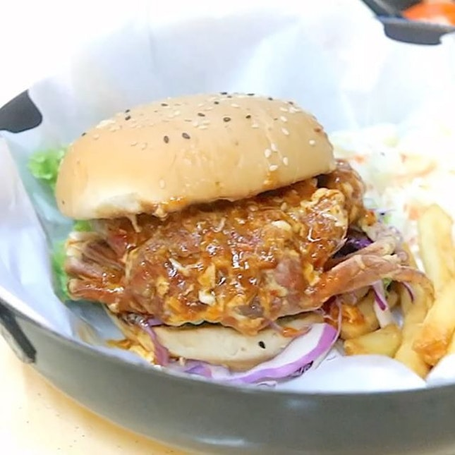 Popular zhi char shop Keng Eng Kee Seafood has opened a new Burger stall called Wok In Burger.