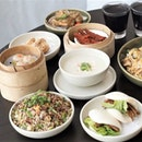 Dim sum buffet, local favourites and desserts all at one place every weekend at Auntie's Wok and Steam @andazsingapore .