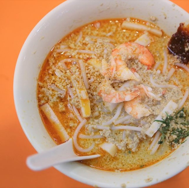 The Original Katong Laksa since 1950s – Janggut Laksa is offering islandwide delivery or pickup via https://janggutlaksa.oddle.me/  The delivery fee is $5 flat, though a minimum order of applies (according to their website it is $35 – $60).