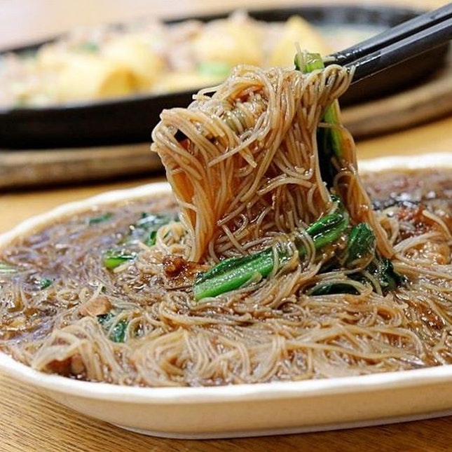 One of those things I miss is hot, piping Teh Kar Bee Hoon and Hotplate anything....