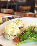 If there is one thing i've learned about life, its the fact that it goes on🙂  Egg Benedict - S$19++ 📍: @nassimhillbakery Singapore