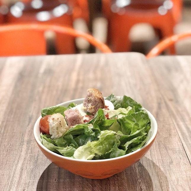 <🇩🇪> Diät, um gesund zu sein <🇬🇧> Diet, for a healthier life • 🥗: Caesar Salad - S$8.00 📍: @thesoupspoonsg Singapore