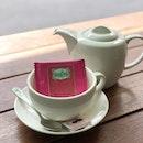 <🇫🇷> c'est l'heure du thé <🇬🇧> it's tea time • ☕️: Thé vert à la rose - S$5++ 📍: @mercimarcel Singapore