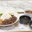 <🇩🇪> Wer liebt, der lebt <🇬🇧> Who love, he live • 🍱: Braised Pork Rice set - S$15.9++ 📍: Typhoon Cafe, Singapore