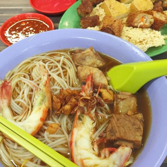 Prawn Noodles With Pork Ribs ($5.80)