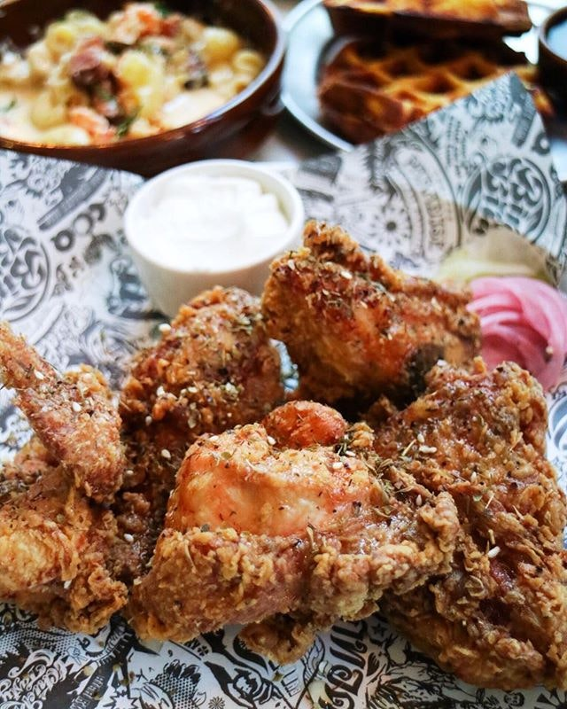 The fried chicken specialist in the hood serves up birds that are so juicy that it's finger lickin good.