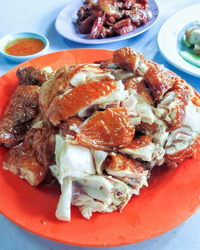 A highlight of our short trip to KL has got to be the stunning roasts at Wong Mei Kee.