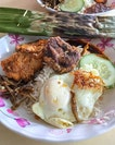 A trip to Changi Village is incomplete without having a plate of nasi lemak from Mizzy Corner.