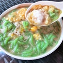 Cool down on this scorching hot day with a taste of melaka that doesn't burn a hole in your wallet.