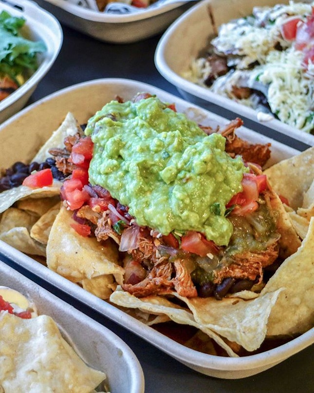 Whenever I'm feeling for Mexican, @guzmanygomezsg will always be my preferred choice if I am near any of their 6 outlets and time and time again, my usual order would be the Burritos Bowl, which has never failed me once.
