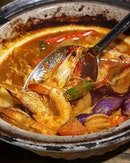 Besides their signature dishes, if you are dining with a group, you can also order the sharing claypot of Curry Fish Head ($28) that's prepared the lemak style.