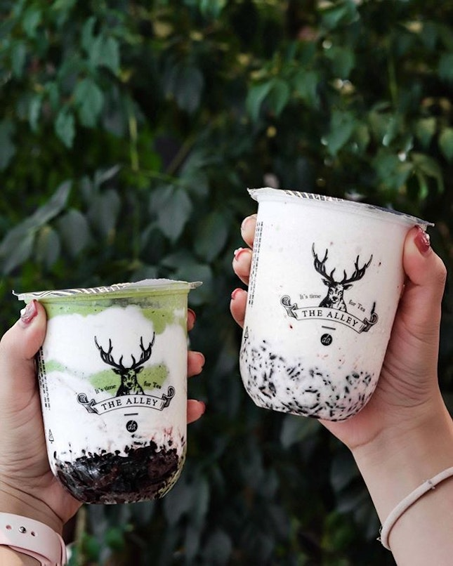 Launched last weekend, The Alley now has the trending yogurt purple rice beverage in its menu with 4 variations, the Original, Peach Oolong, Matcha and Create Your Own, the latter that allows you to customize and, mix and match different toppings into the drink.