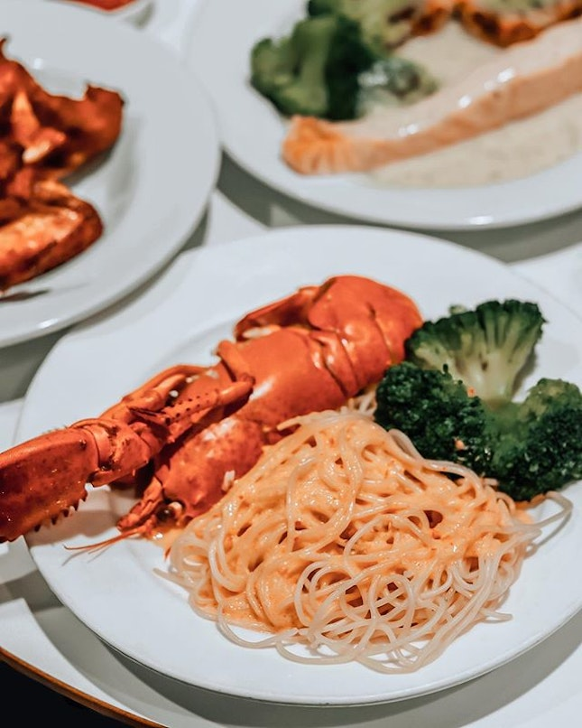 And so @ikeasingapore decides to be atas and serve a Half Lobster with Laksa Spaghetti ($14.90), even incorporating a local flavour in the laksa sauce.