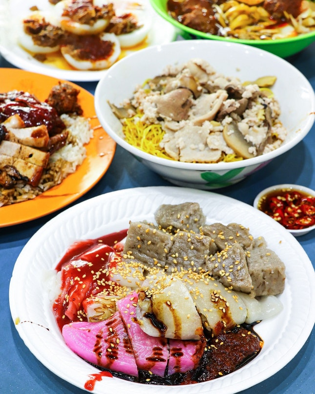 With our initial plans of having breakfast at Fei Fei Roasted Noodle not materialising, we had to make a detour over to Taman Jurong and fortunately, the food centre has several stalls that are worth visiting for, which I will review them over a few other postings.