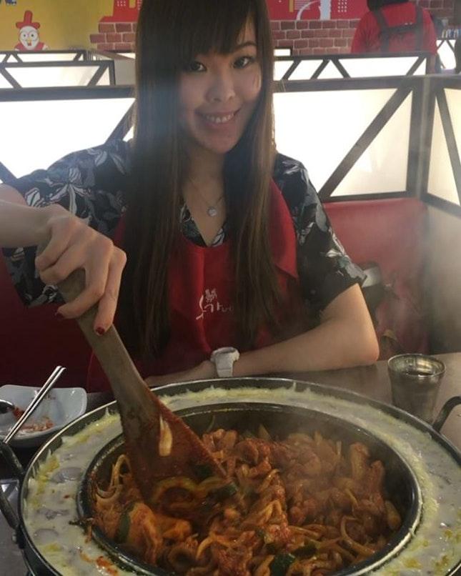 Cheesy chicken galbi 🍽 • #sinfulfood #yoogane #yooganesg #cheesychickengalbi #sundate #dinner #koreanfood #koreanchiken #chickengalbi #sgdelicacy #instasg #sg #instagrammers #igsg #sgig #singapore #sggirls #whati8today #sgigfoodie #burpple #hungrygowhere #foodporn #foodpornsg #sgmakandiary #eatoutsg