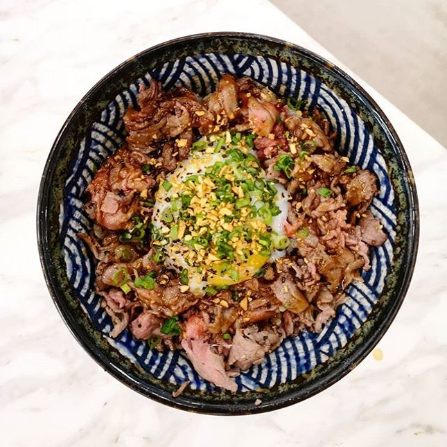 Truffle Wagyu Don (13.90 - R) Recommendation level: 7.5/10 Here's an update of today's lunch with burpple beyond (~$7.70).