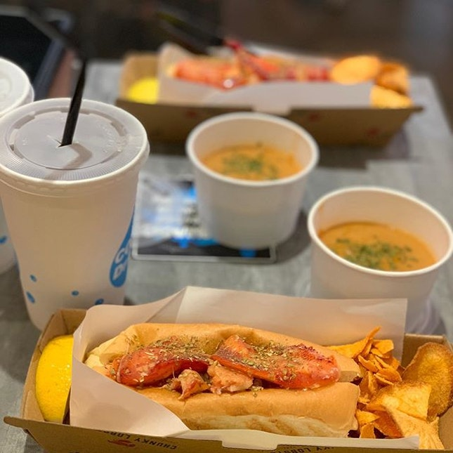Lobster roll set at $15 from Chope deals including lobster bisque, lobster roll and drink.