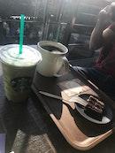 Starbucks (Fullerton Waterboat House)