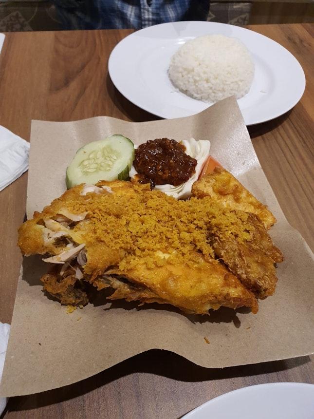⭐️ Smashed Fried Chicken : Ayam Penyet  ($6.90)