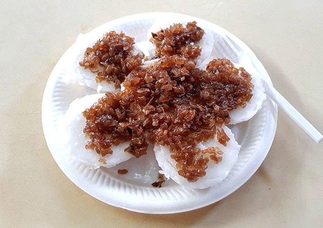 chwee kueh 👍 7.9.17 #foodporn #sgfoodporn #foodsg #sgfoodies #instafood #foodstagram #cafehoppingsg #sgcafefood #vscofood #burpple #hungrygowhere