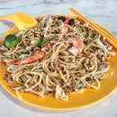 hokkien fried noodles 👍🏻 22.7.19 #foodporn #sgfoodporn #foodsg #sgfoodies #instafood #foodstagram #vscofood #burpple #hungrygowhere #hawkerfood #hawkercentre