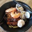prawn noodles dry w/ la la 👍🏻 30.7.19 #foodporn #sgfoodporn #foodsg #sgfoodies #instafood #foodstagram #vscofood #burpple #hungrygowhere #hawkerfood #hawkercentre