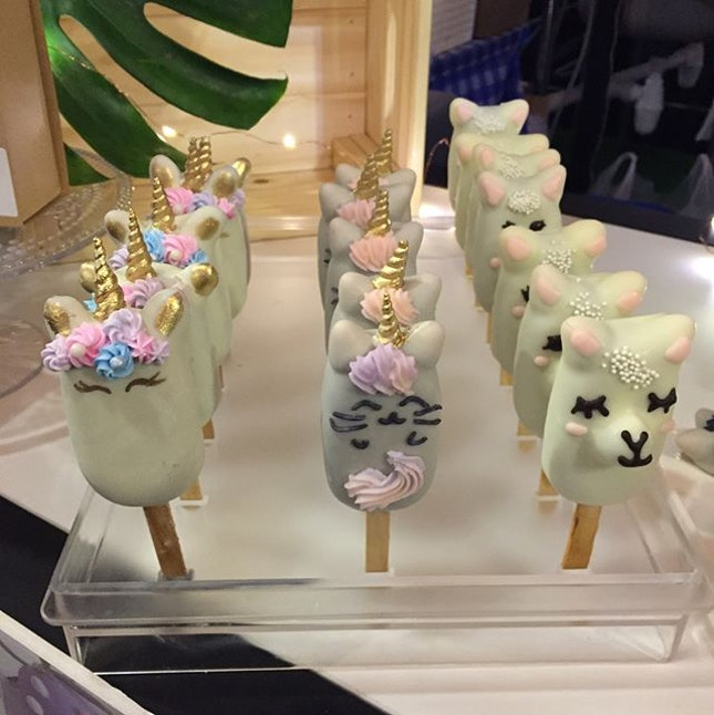 Cake 🎂 Pops