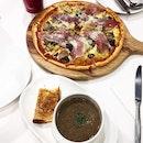 The Primavera Pizza Is Good Stuff!
