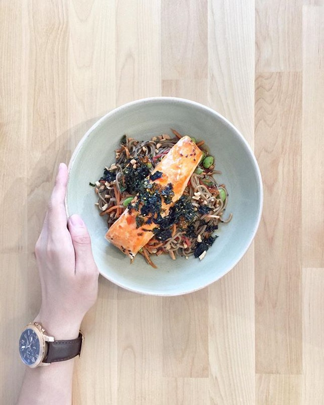 Had to try the •Salmon And Soba [$19]• from @oldhencoffee (Kitchen) since @notanotherkenneth was spamming me with pictures and messages about how good it was!