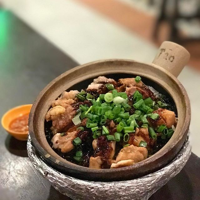 The tricky part to a good Claypot rice is to control the fire so that the ingredients are cooked perfectly.