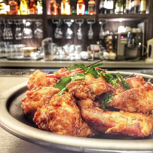 chicken wings  one of de best bar food to me is the fried chicken wings.