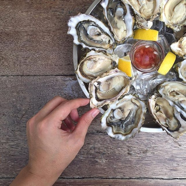 📍 tanuki raw [bugis]  oysters for $2 each  the pearl of my heart.