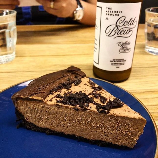 Chocolate Cheesecake + a cold brew.