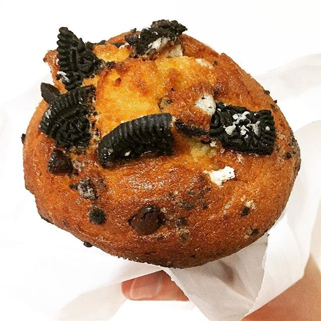 Cookies and Cream Muffin @ AJ Delights, Blk 120 Bukit Merah Lane 1, Alexandra Village Food Centre #01-82.