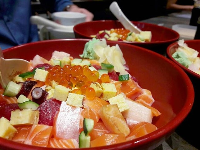No regrets getting this ultimately scrumptious bowl of Basic Chirashi Don ($19.90++) 😍 Though it leans on the pricier side, the quality really speaks through each bite and justifies the price tag.