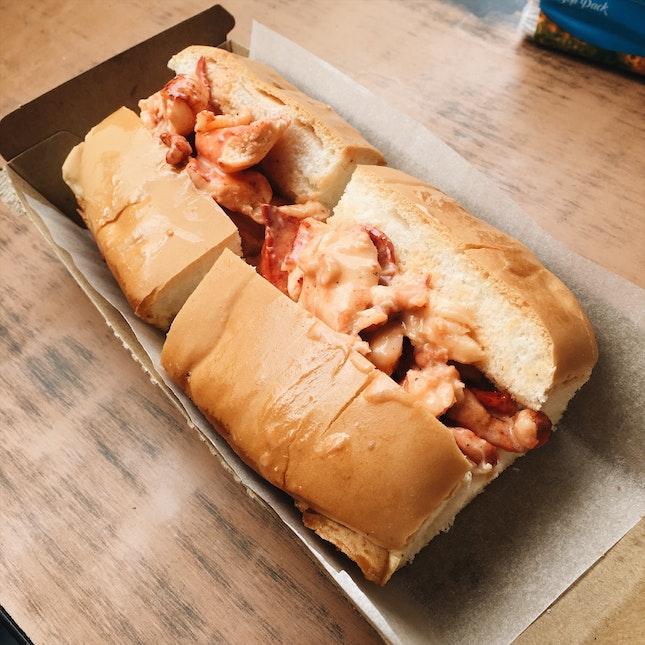 Maine-style lobster bun