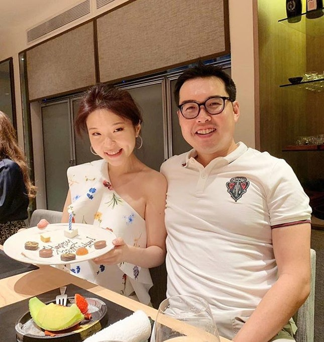 It's been a single candle #birthday 🎂for some time 🤩😂 thank you for indulging in my gastronomic addiction, so glad to have you with me in my culinary adventures and life 😘 here's to more gluttony 🥂 :: :: many thanks to Chef Yoshio Sakuta for this amazing experience  @Shoukouwa #michelin 🌟🌟 :: swipe for more 📲.