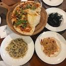Al Borgo Pizza ($32), Capellini con Gamberi ($32), Fettucine con Salsicca e Tartufo ($30), Risotto al Nero di Sippia ($30)