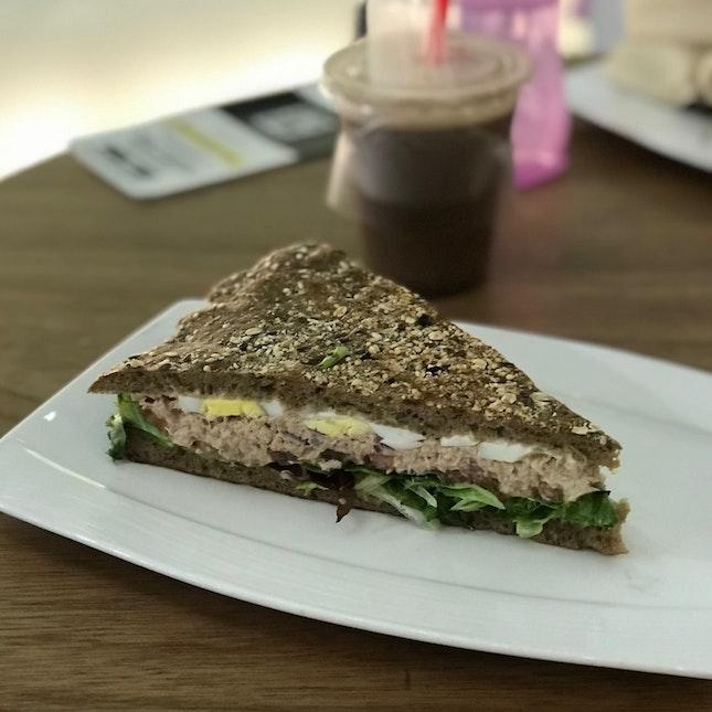 Tuna & Egg Kraftwich ($8.90)
