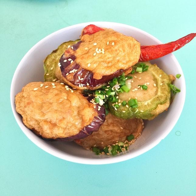 鸳鸯酿豆腐 (Yuan Yang Yong Tau Foo)