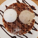 Latte choco marshmallow & lychee martini ice cream waffle ($11.60) 😋 .