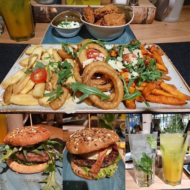 Chope exclusive set menu for 2: 2 burgers, 2 thirst quenchers, 1 snack platter ($45++)!
