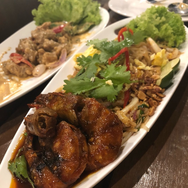Pad Thai & Butter Chicken