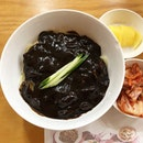 Finally satisfied my cravings with the  Jjajangmyeon ($13) at Tae Woo.
