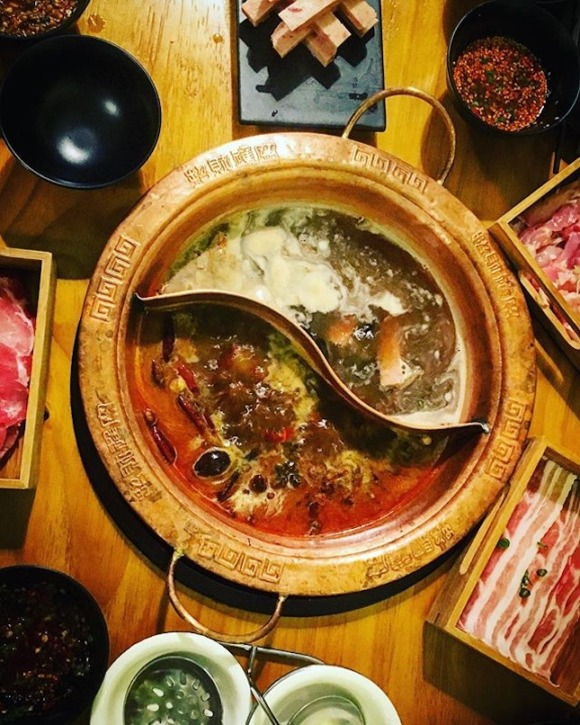 lovely catch-up over shiok MSG-free mushroom/spicy mala yuan yang hotpot with fresh ingredients.
