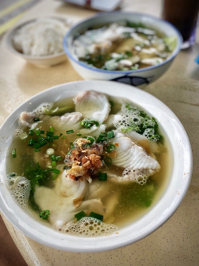 No doubt the most popular fish soup stall in North-East🇸🇬