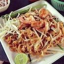 street side phad thai