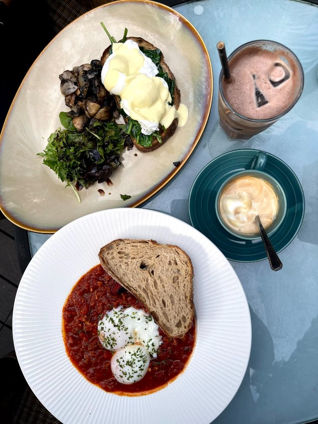 Scrambled eggs with mushroom $20/ 5*