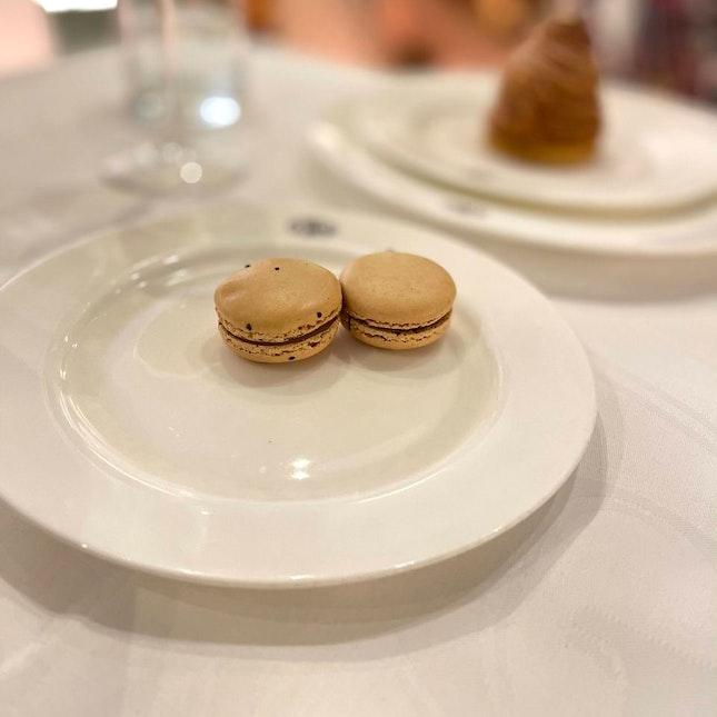 Tea and Tiramisu Macarons $4 / 5*
